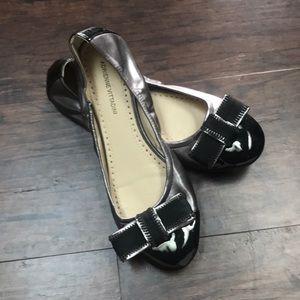 Adrienne Vittadini Black / Silver Flats